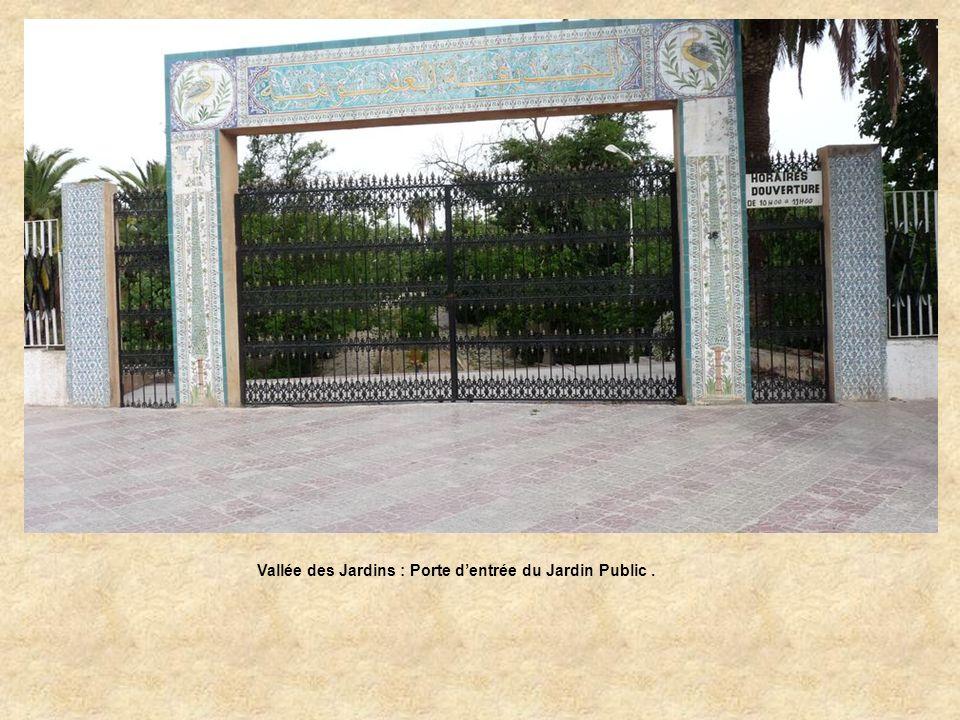Vallée des Jardins : Porte d'entrée du Jardin Public .