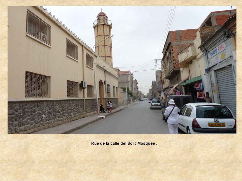 Rue de la calle del Sol : Mosquée .