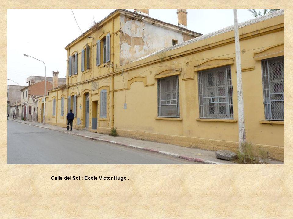 Calle del Sol : Ecole Victor Hugo .