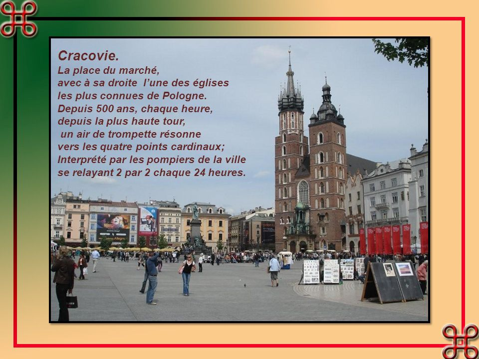 Cracovie. La place du marché, avec à sa droite l'une des églises