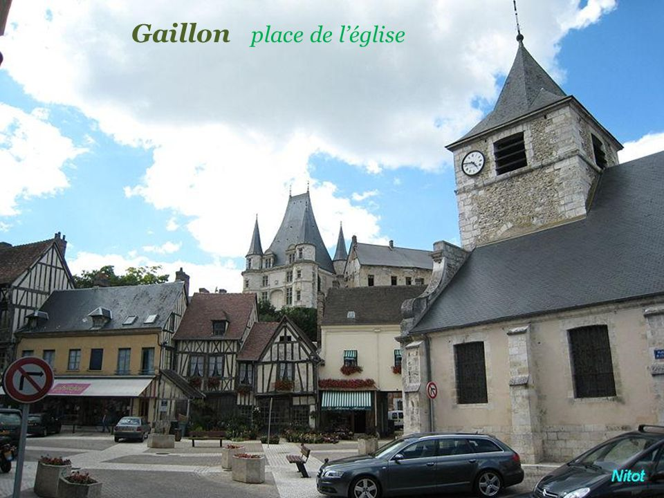 Gaillon place de l'église