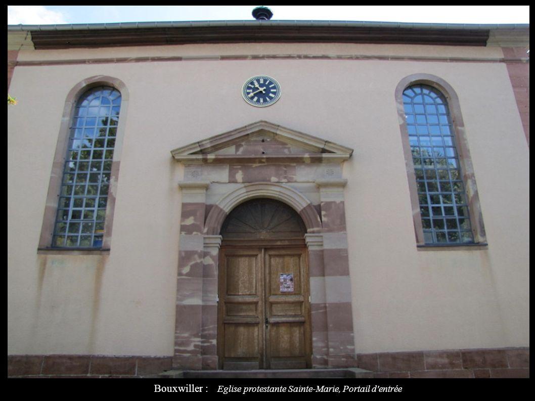 Bouxwiller : Eglise protestante Sainte-Marie, Portail d entrée