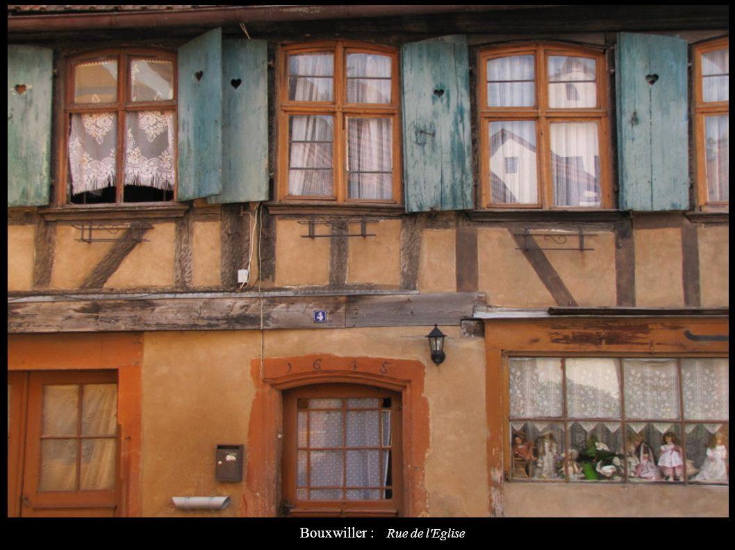 Bouxwiller : Rue de l Eglise