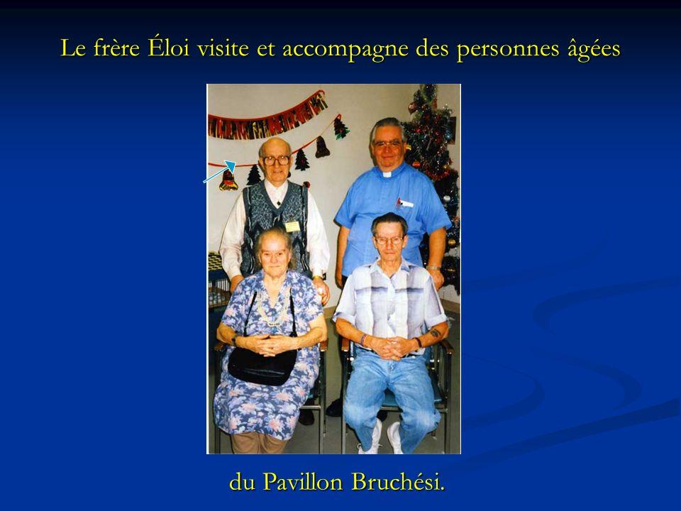 Le frère Éloi visite et accompagne des personnes âgées