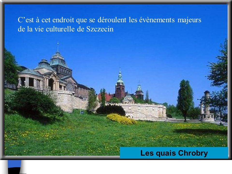 C'est à cet endroit que se déroulent les évènements majeurs de la vie culturelle de Szczecin