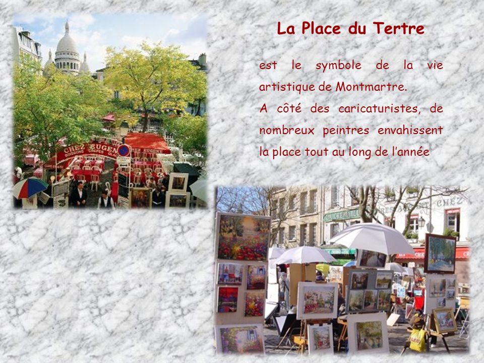 La Place du Tertre est le symbole de la vie artistique de Montmartre.