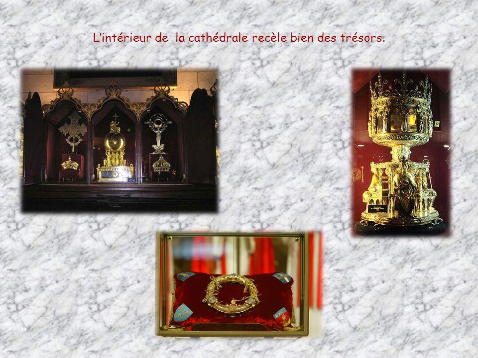 L'intérieur de la cathédrale recèle bien des trésors.