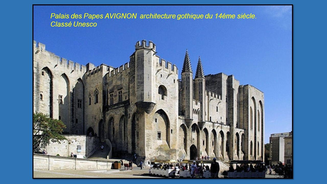 Palais des Papes AVIGNON architecture gothique du 14éme siècle