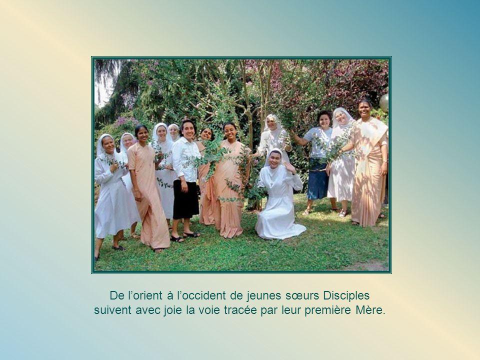 De l'orient à l'occident de jeunes sœurs Disciples