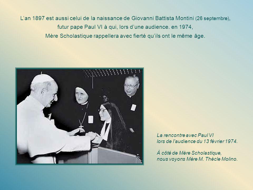 futur pape Paul VI à qui, lors d'une audience. en 1974,
