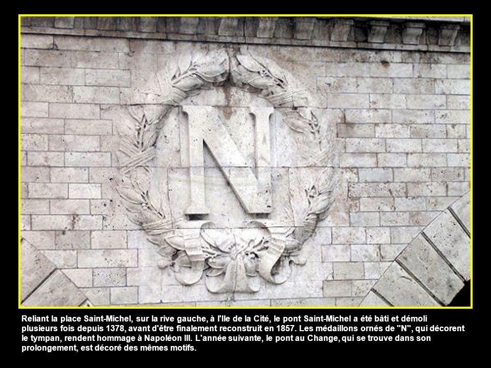 Reliant la place Saint-Michel, sur la rive gauche, à l Ile de la Cité, le pont Saint-Michel a été bâti et démoli plusieurs fois depuis 1378, avant d être finalement reconstruit en 1857.