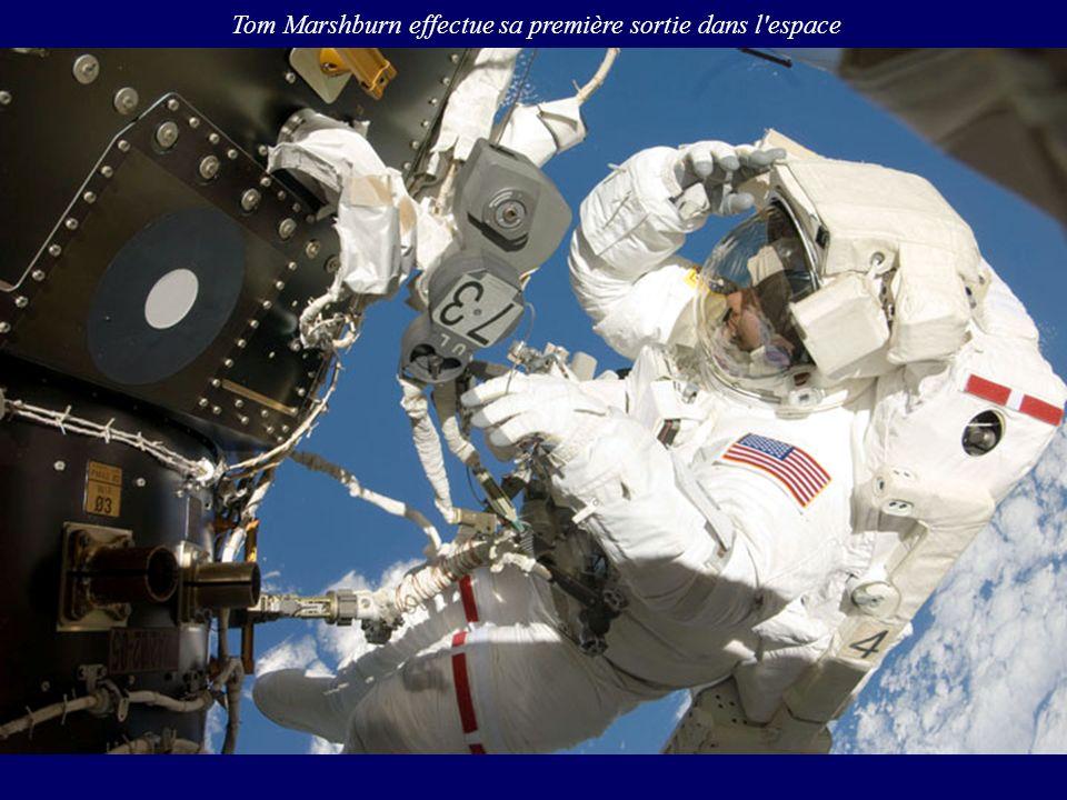 Tom Marshburn effectue sa première sortie dans l espace