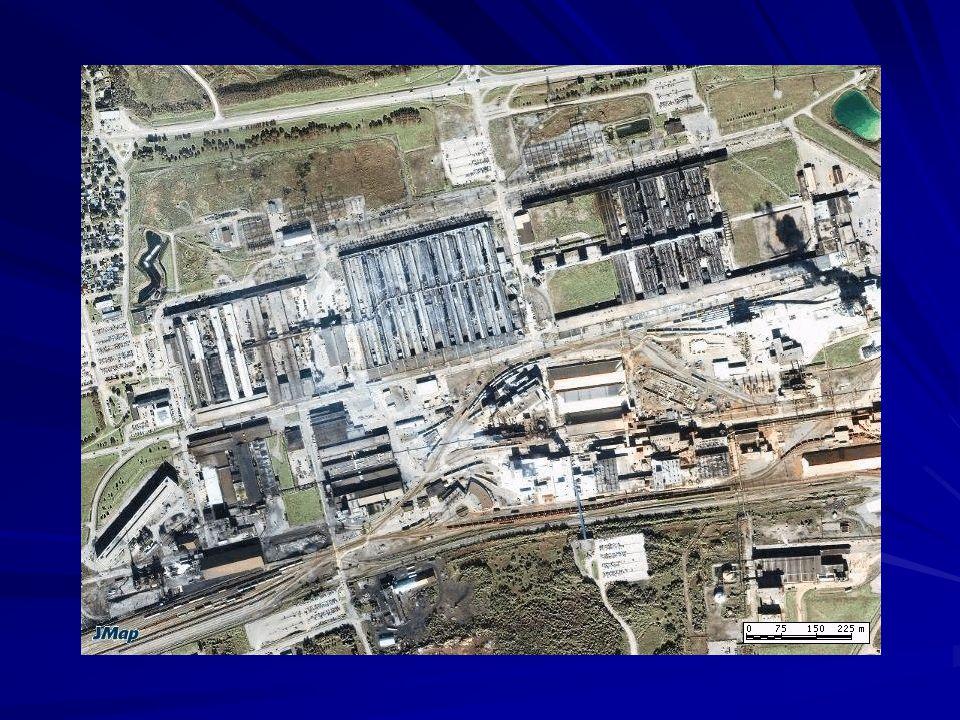 Alcan (aujourd'hui Rio Tinto Alcan) joue un rôle central dans le développement de toute la région (construction de barrages et de centrales électriques, arrivée de la base militaire, etc.). C