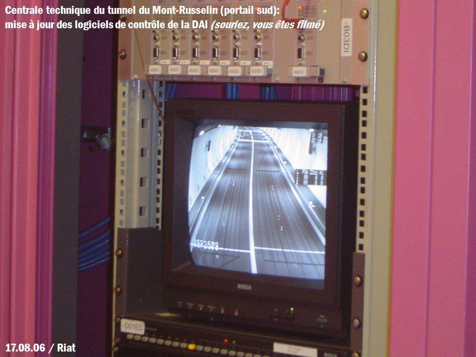 Centrale technique du tunnel du Mont-Russelin (portail sud):