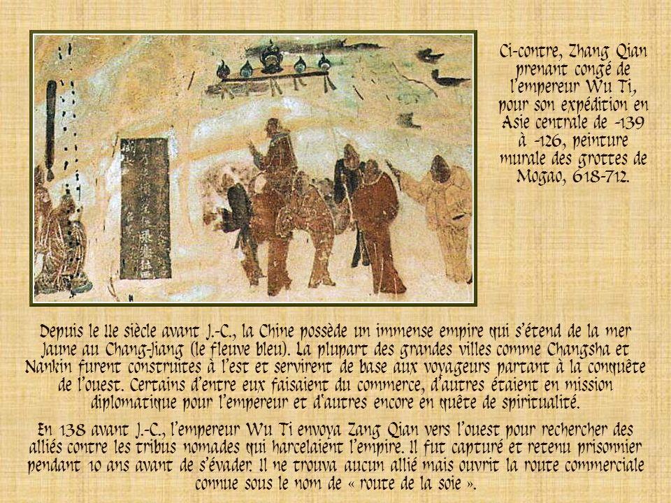 Ci-contre, Zhang Qian prenant congé de l'empereur Wu Ti, pour son expédition en Asie centrale de -139 à -126, peinture murale des grottes de Mogao, 618-712.