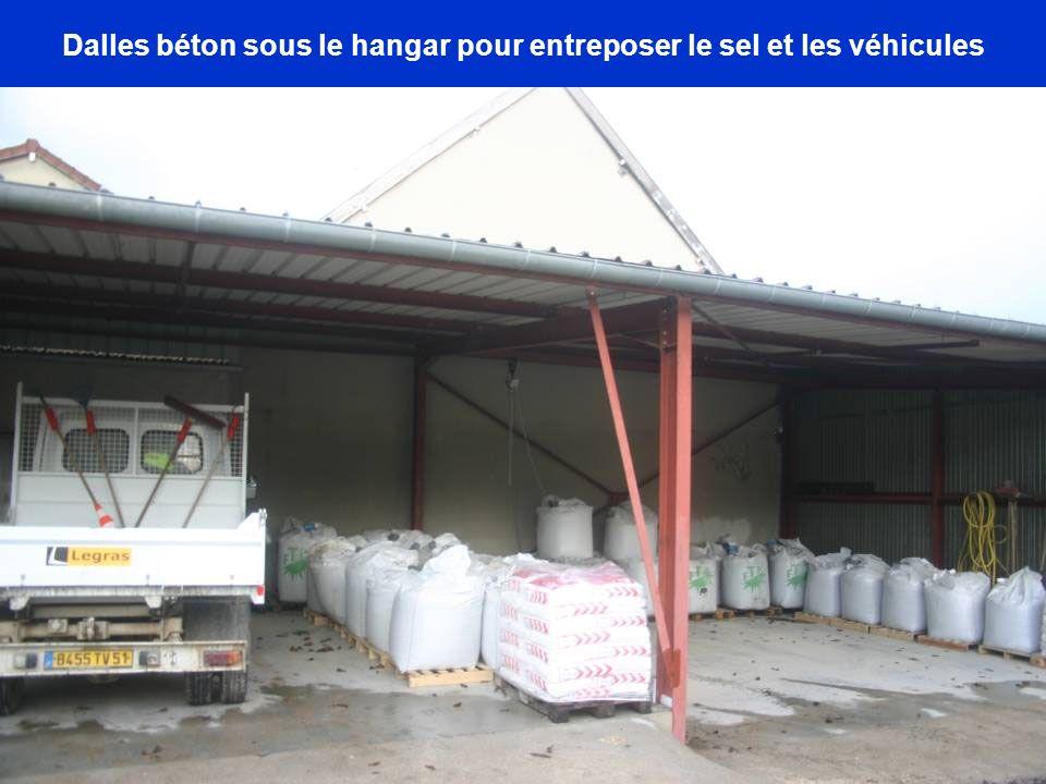 Dalles béton sous le hangar pour entreposer le sel et les véhicules