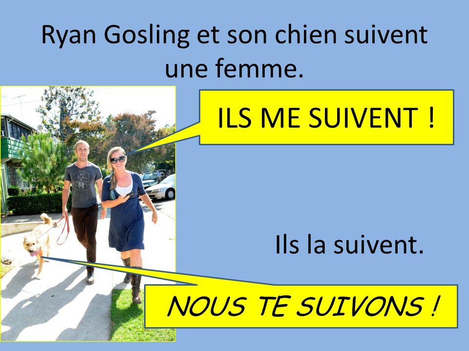 Ryan Gosling et son chien suivent une femme.