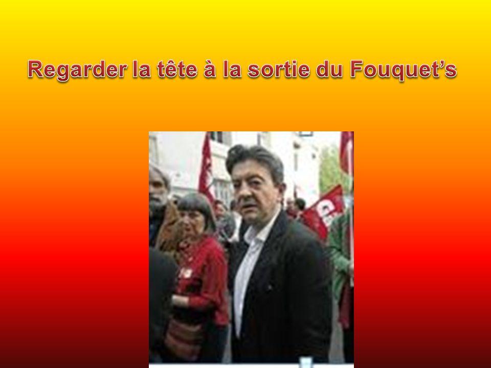 Regarder la tête à la sortie du Fouquet's