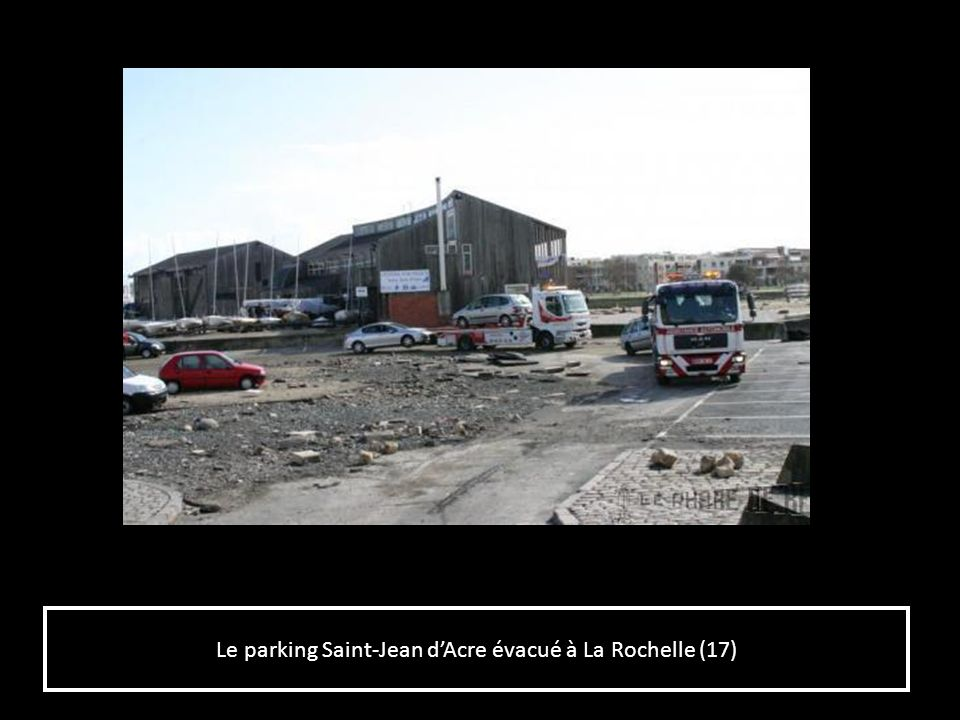Le parking Saint-Jean d'Acre évacué à La Rochelle (17)