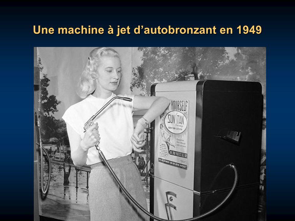Une machine à jet d'autobronzant en 1949