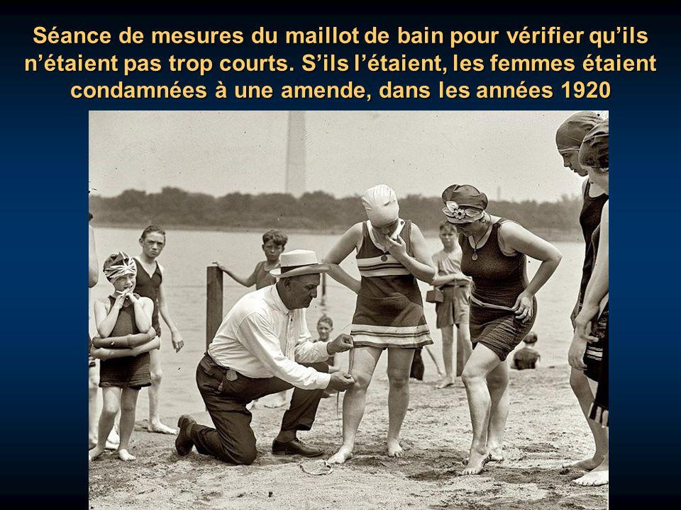 Séance de mesures du maillot de bain pour vérifier qu'ils n'étaient pas trop courts.