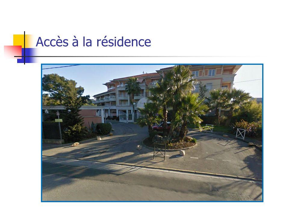 Accès à la résidence Accès couloir extérieur bat B