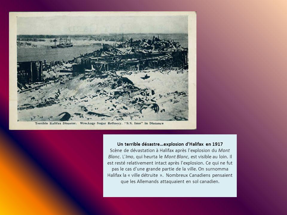 Un terrible désastre…explosion d'Halifax en 1917 Scène de dévastation à Halifax après l explosion du Mont Blanc.