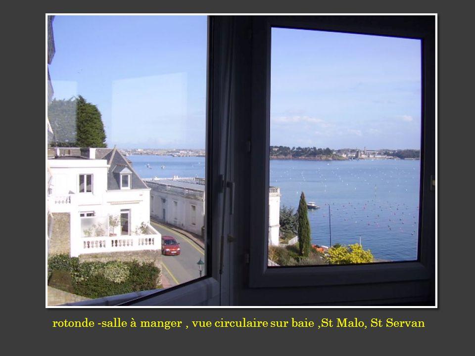 rotonde -salle à manger , vue circulaire sur baie ,St Malo, St Servan