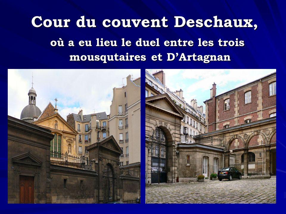 Cour du couvent Deschaux, mousqutaires et D'Artagnan