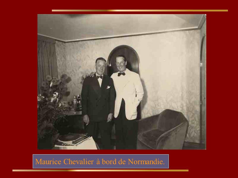 Maurice Chevalier à bord de Normandie.