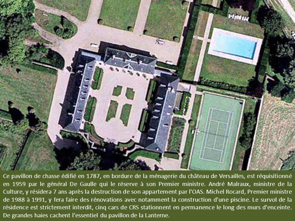 Ce pavillon de chasse édifié en 1787, en bordure de la ménagerie du château de Versailles, est réquisitionné en 1959 par le général De Gaulle qui le réserve à son Premier ministre.