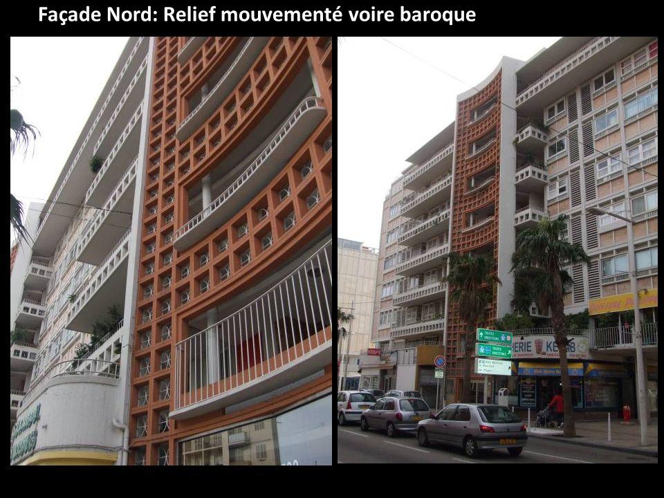 Façade Nord: Relief mouvementé voire baroque
