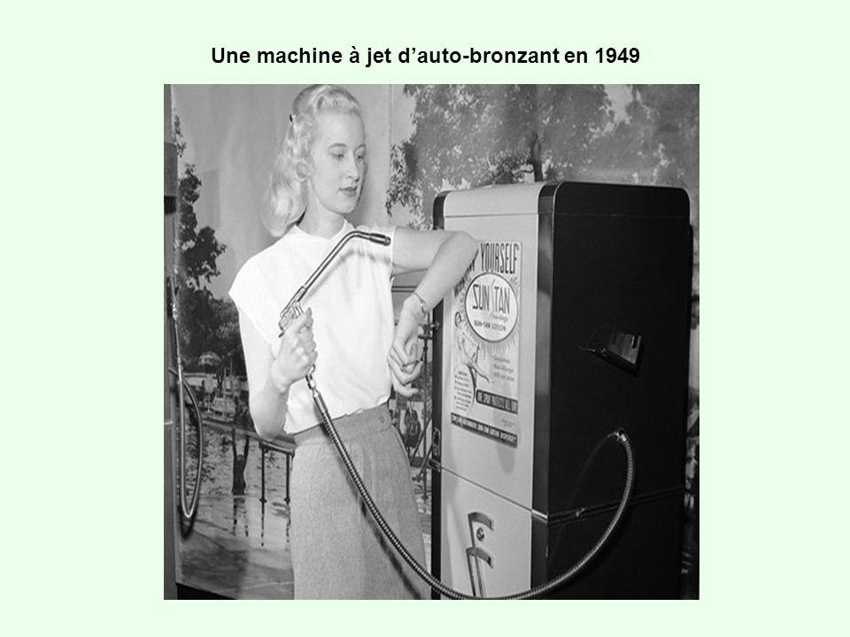 Une machine à jet d'auto-bronzant en 1949