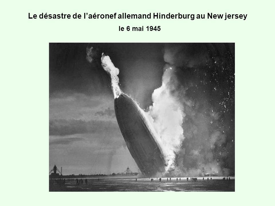 Le désastre de l'aéronef allemand Hinderburg au New jersey