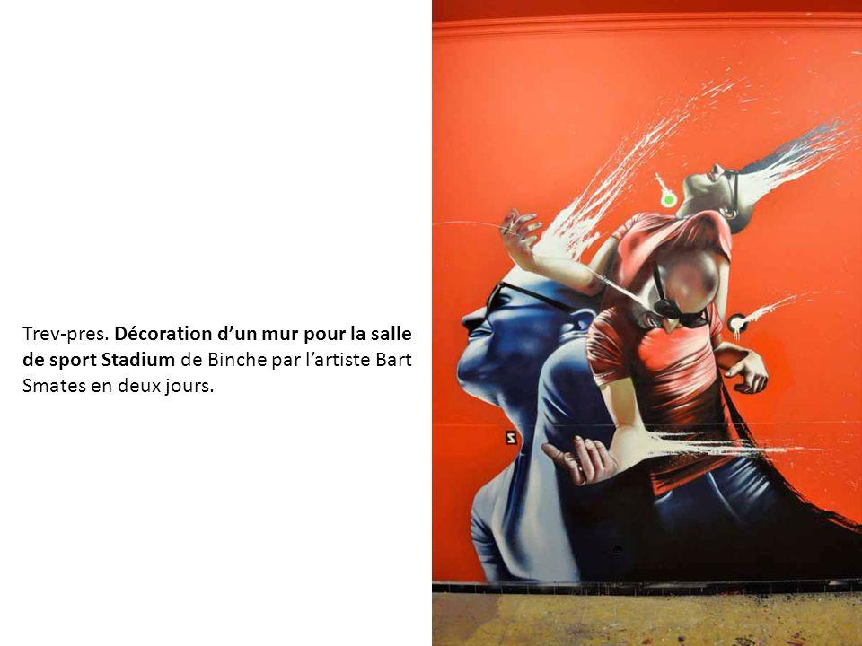 Trev-pres. Décoration d'un mur pour la salle de sport Stadium de Binche par l'artiste Bart Smates en deux jours.
