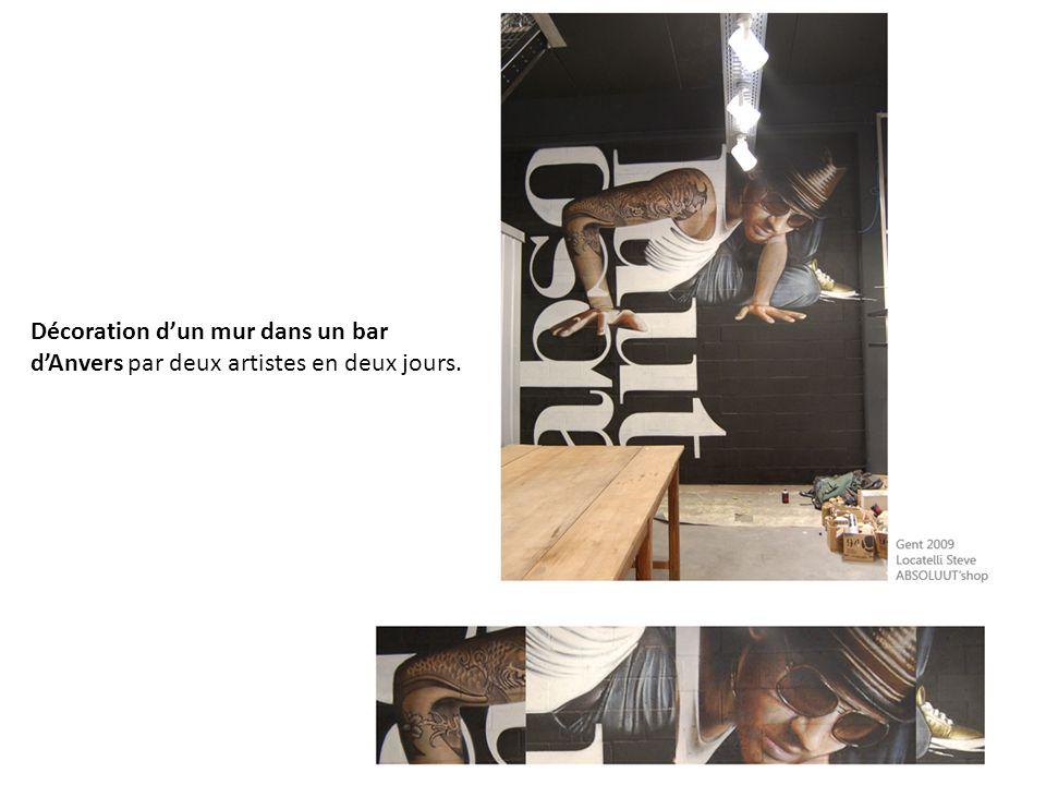 Décoration d'un mur dans un bar d'Anvers par deux artistes en deux jours.
