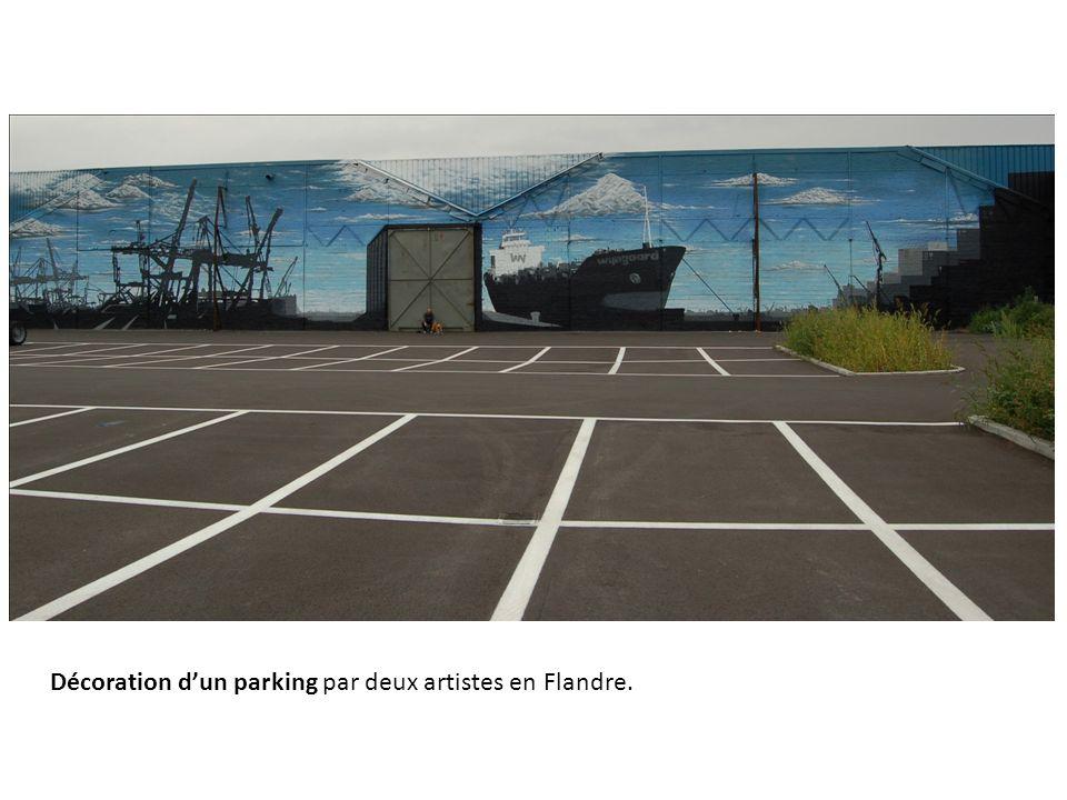Décoration d'un parking par deux artistes en Flandre.