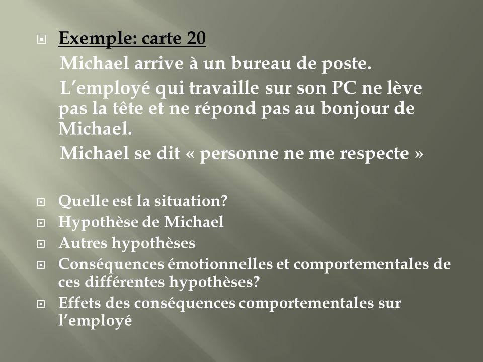 Michael arrive à un bureau de poste.
