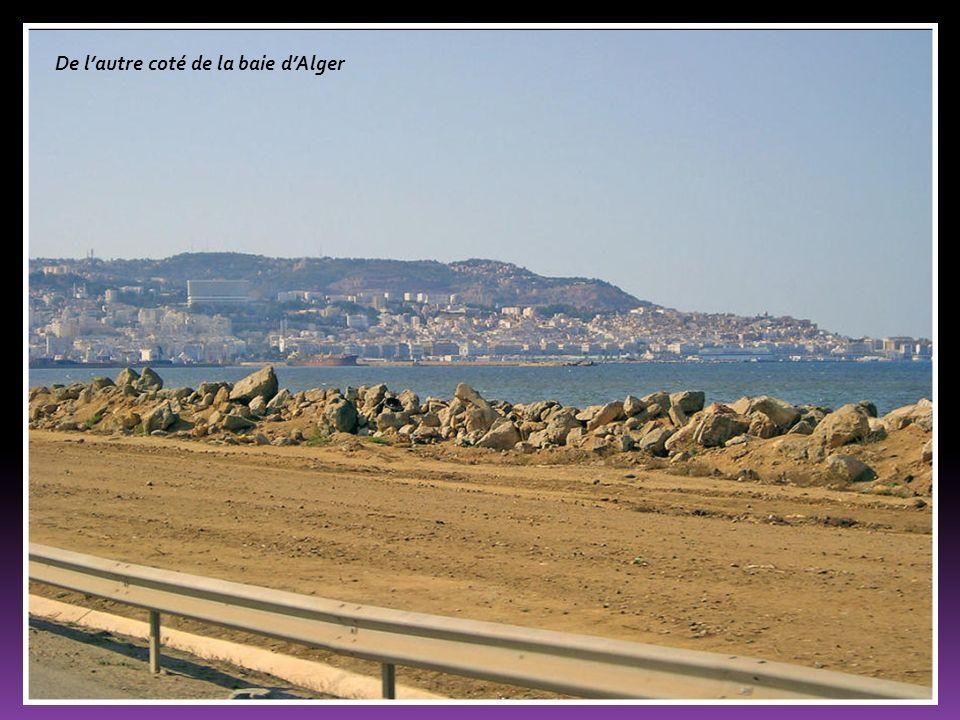 De l'autre coté de la baie d'Alger