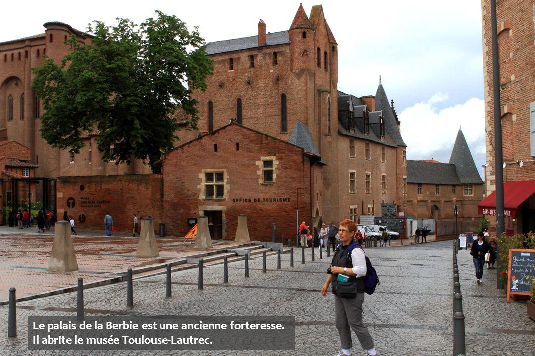 Le palais de la Berbie est une ancienne forteresse