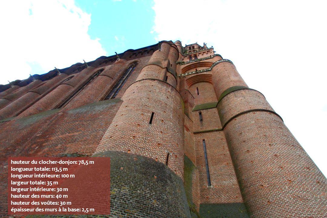 hauteur du clocher-donjon: 78,5 m