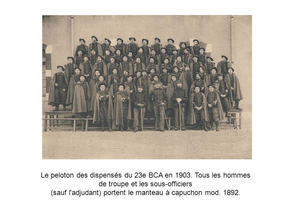 Le peloton des dispensés du 23e BCA en 1903. Tous les hommes