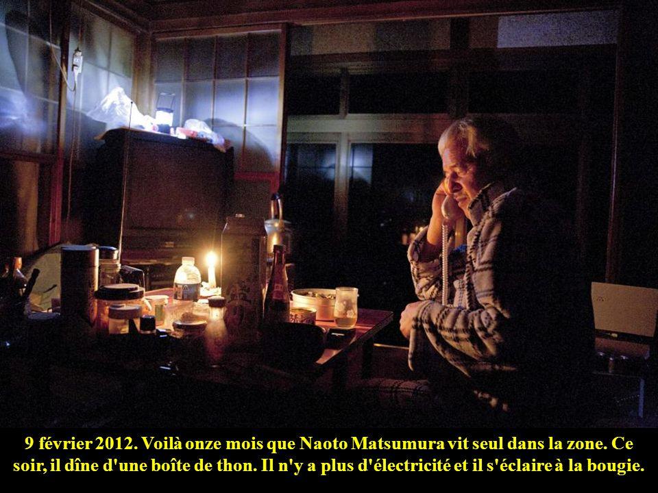 9 février 2012. Voilà onze mois que Naoto Matsumura vit seul dans la zone.