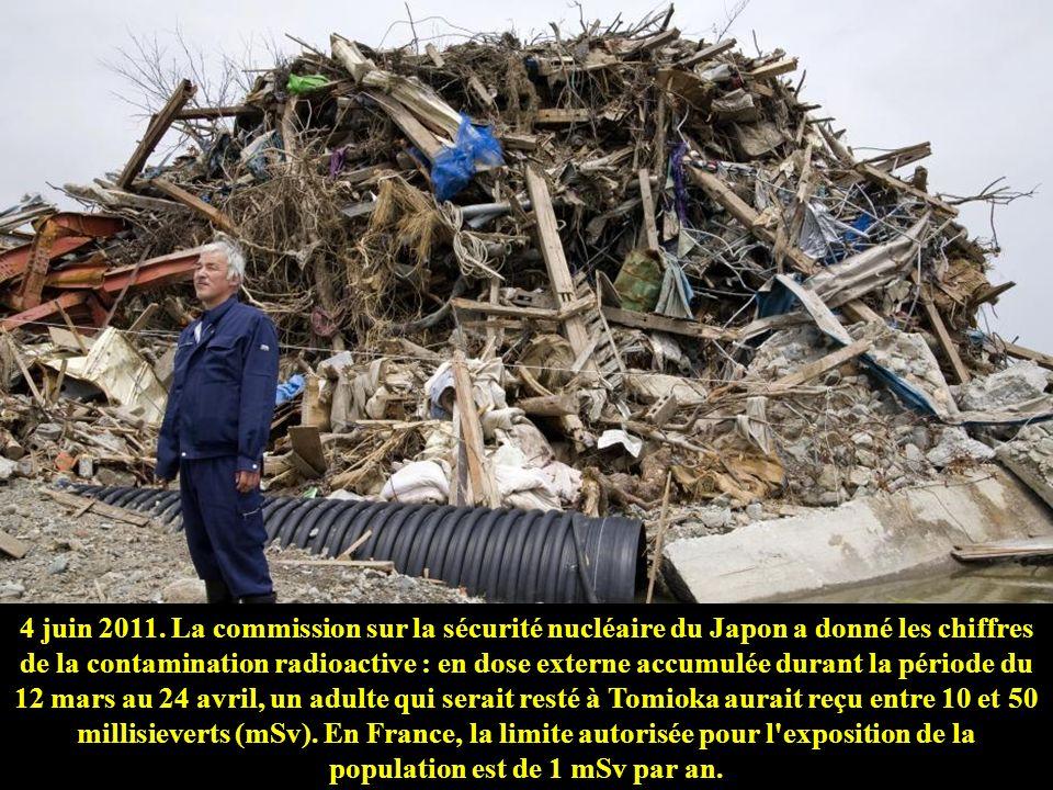 4 juin 2011. La commission sur la sécurité nucléaire du Japon a donné les chiffres de la contamination radioactive : en dose externe accumulée durant la période du 12 mars au 24 avril, un adulte qui serait resté à Tomioka aurait reçu entre 10 et 50 millisieverts (mSv).