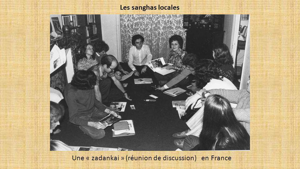 Une « zadankai » (réunion de discussion) en France