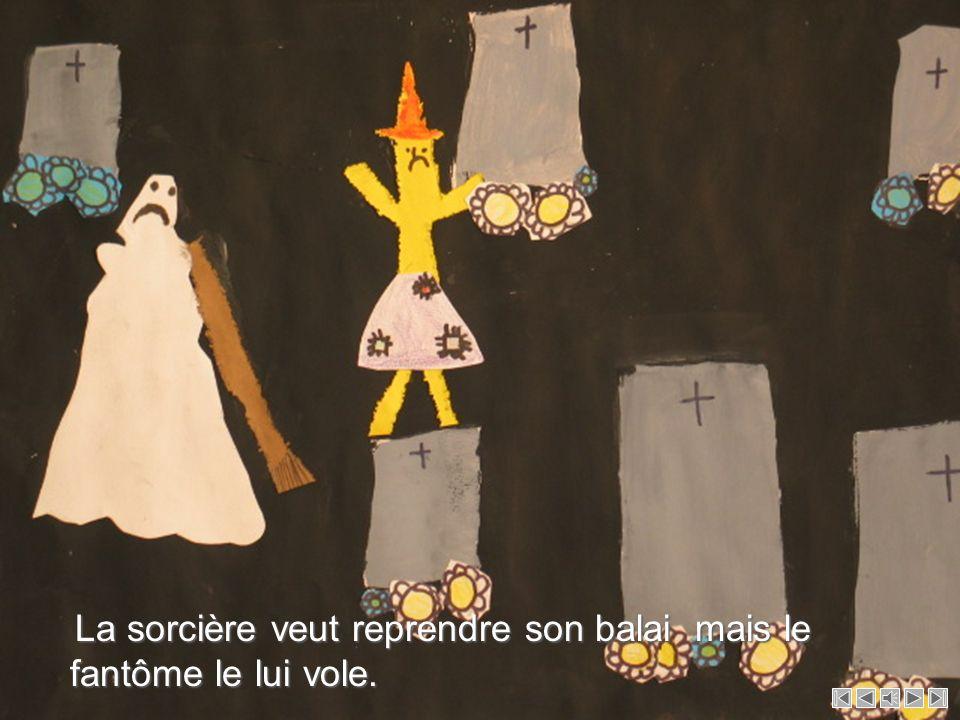 La sorcière veut reprendre son balai mais le fantôme le lui vole.