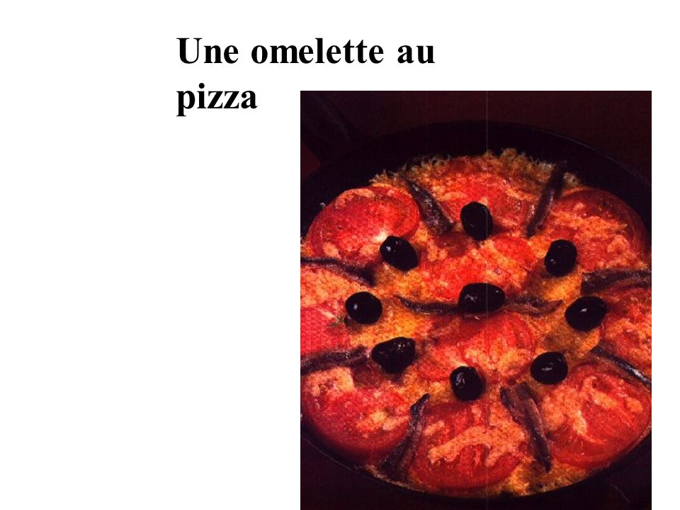 Une omelette au pizza