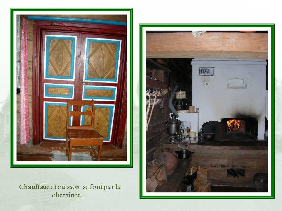 Chauffage et cuisson se font par la cheminée…