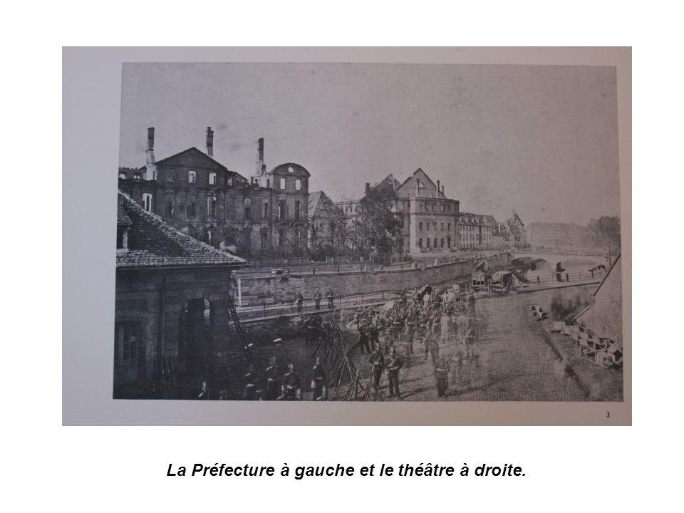 La Préfecture à gauche et le théâtre à droite.
