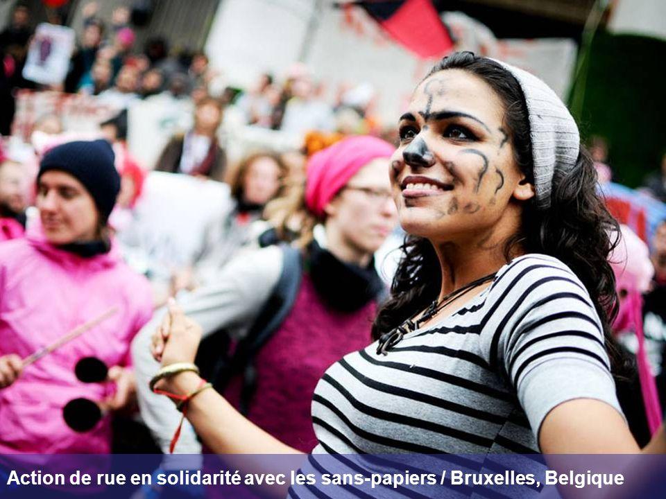 Action de rue en solidarité avec les sans-papiers / Bruxelles, Belgique